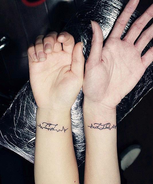 情侣纹身手脖图片