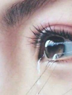 女生流泪伤感侧脸_心碎绝望的伤感图片_表白图片网