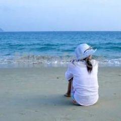 情侣头像背影蓝色海边
