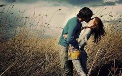 情侣接吻图片唯美