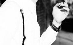 黑白照片唯美男生