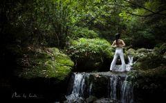 森林瑜伽唯美意境图片