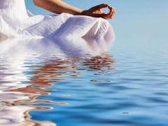 瑜伽打坐唯美图片