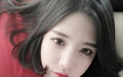 短发大眼可爱美女图片