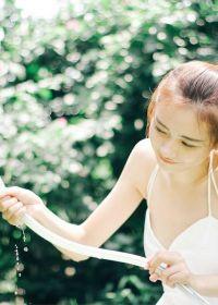 阳光可爱女生图片