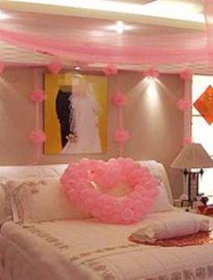 浪漫情侣房布置图片