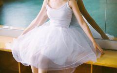 女生跳舞背影图片唯美