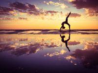 瑜伽照片唯美海边图片大全