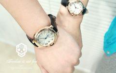 情侣手表牵手图片