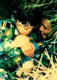 军人牵手爱情图片动漫