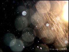 下雨天浪漫爱情图片