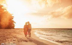 两个人在海边浪漫图片唯美图片带字