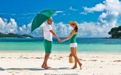 情侣海边牵手浪漫图片