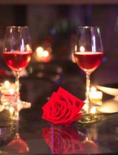 红酒烛光浪漫图片