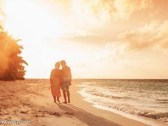 老人海边浪漫图片唯美图片大全