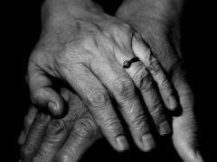 老人爱情图片黑白