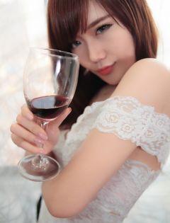 红酒美女浪漫图片大全集