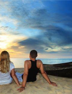 情侣海边浪漫图片背影图片唯美图片带字