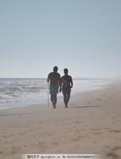 海边老夫妻浪漫图片