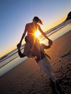 夫妻黄昏浪漫图片唯美图片大全