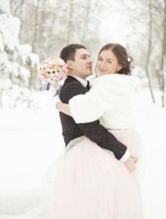 下雪浪漫情侣唯美图片