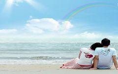 浪漫海边情侣图片