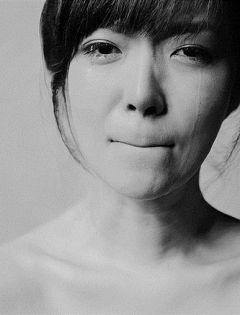 美女流泪伤感唯美图片