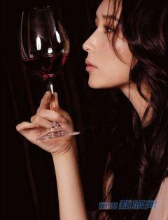 伤感美女喝酒图片大全唯美图片