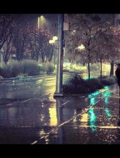 9张伤感优美的下雨天唯美图片