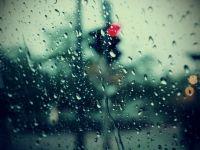下雨的图片带字伤感唯美意境图片