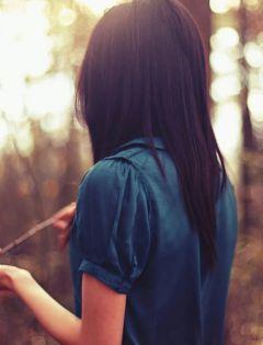 手机壁纸图片大全唯美伤感女生背影