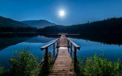月色伤感美景图片