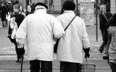 老年爱情黑白图片