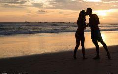 两个人牵手的图片浪漫爱情