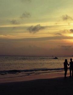 夕阳情侣图片