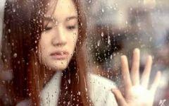 下雨美女伤感图片
