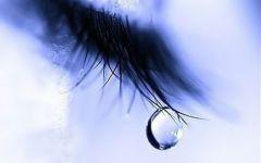 女生流眼泪的伤感图片