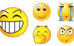 龇牙表情图片