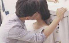 情侣头像图片吻