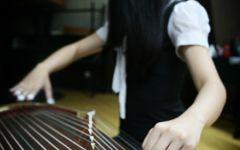 弹古筝女孩唯美图片
