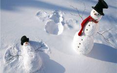 下雪情侣图片