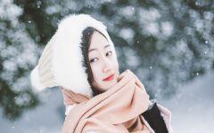 雪中美女伤感图片