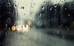 雨天图片伤感淋雨