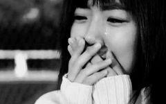 女人眼泪图片伤感