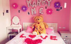 求婚在房间理浪漫图片