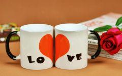 爱情酒杯图片