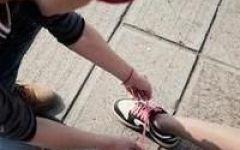 情侣头像系鞋带