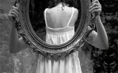镜子的伤感图片